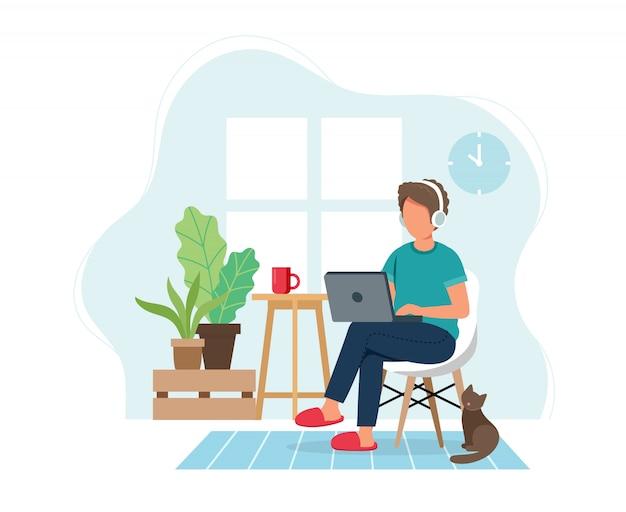 Travail à domicile concept, homme travaillant à domicile assis sur une chaise, étudiant ou pigiste.