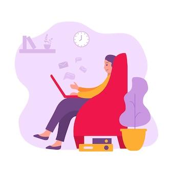Travail indépendant à distance féminine assis dans un fauteuil. femme assise avec un ordinateur portable. travail à la maison, étude en ligne, bureau à domicile.