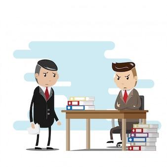 Travail stressant entre les employés et le patron