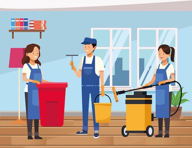 Les travailleurs de l'équipe de ménage nettoyant la maison avec des outils d'équipement