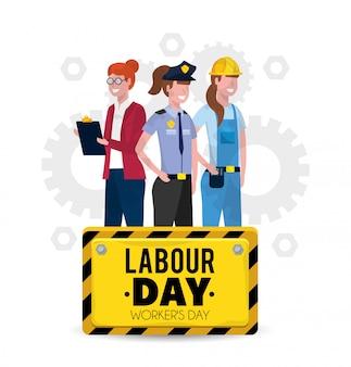 Travailleurs professionnels avec uniforme à la fête du travail
