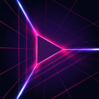 Triangle lumineux néon abstrait jouer icône signe sur fond violet foncé avec grille laser.