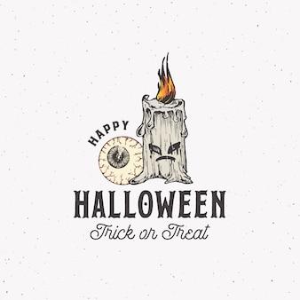 Trick or treat halloween logo ou modèle d'étiquette de style vintage. oeil dessiné à la main et symbole de croquis de bougie maléfique et typographie rétro. fond de texture minable.