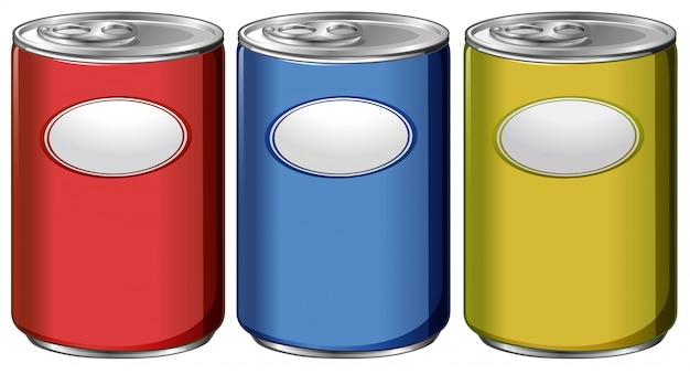 Trois canettes avec des étiquettes de couleurs différentes