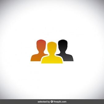 Trois silhouettes humaines colorées