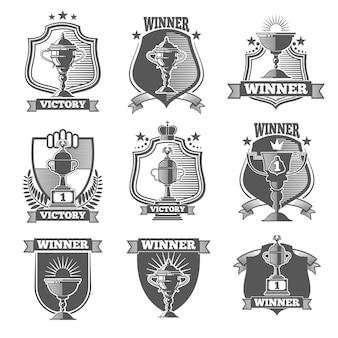 Trophée coupe champions étiquettes, logos, emblèmes vector set. coupe du trophée de l'insigne, trophée de la coupe de l'étiquette, champion de l'emblème, illustration de la coupe du trophée gagnant