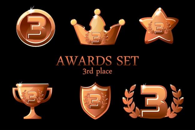 Trophée des récompenses des collections. ensemble d'icônes de prix de bronze, insigne de gagnant de la 3e place, prix de la coupe du trophée, récompenses de gain, couronne de succès