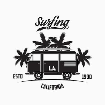 Typographie de surf de californie à los angeles avec palmiers et planche de surf