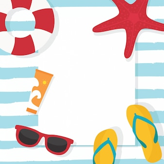 En vacances d'été, fond de vente de l'été avec des lunettes de soleil, une bouée de sauvetage et des éléments. fond