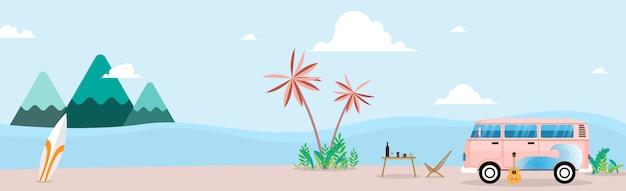Vacances d'été rétro van et planches de surf. concept de voyage et de personnes - souriant jeunes amis hippies en voiture monospace sur la plage.