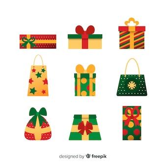 Variété de collection de sacs de cadeaux de noël