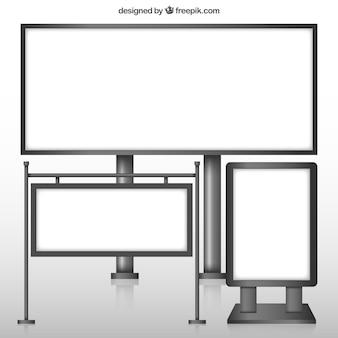 Variété de panneaux d'affichage vides