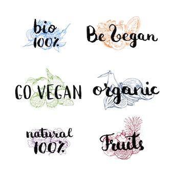 Vecteur doodle dessinée à la main couleur piles de fruits et légumes avec lettrage végétalien, organique et naturel