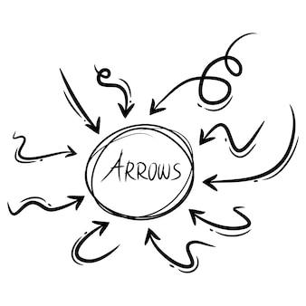 Vecteur de flèches dessinées à la main avec style doodle isolé