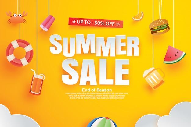 Vente d'été avec décoration origami sur fond jaune.