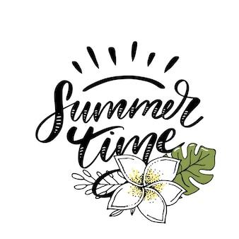Vente de mots.lettres faites de fleurs et de feuilles affiche de bannière de vacances d'été heure d'été