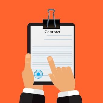 Vérifiez le contrat ses mains
