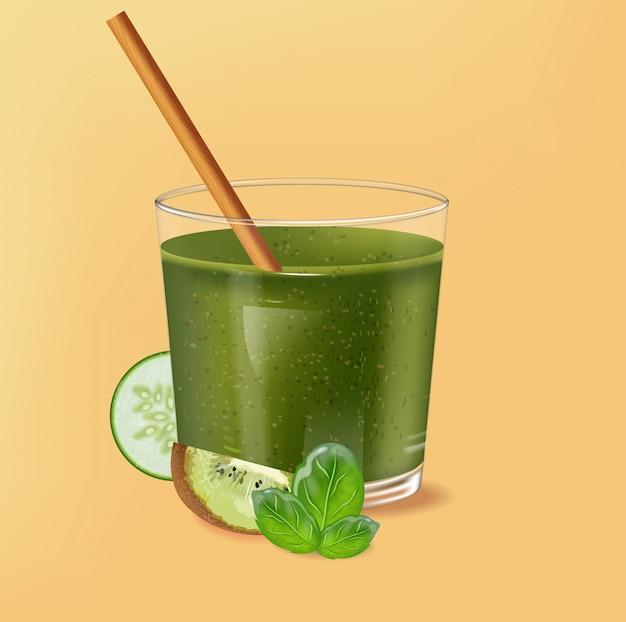 Verre à l'ancienne avec paille de bambou. smoothie vert aux épinards avec décoration kiwi, concombre et citron vert