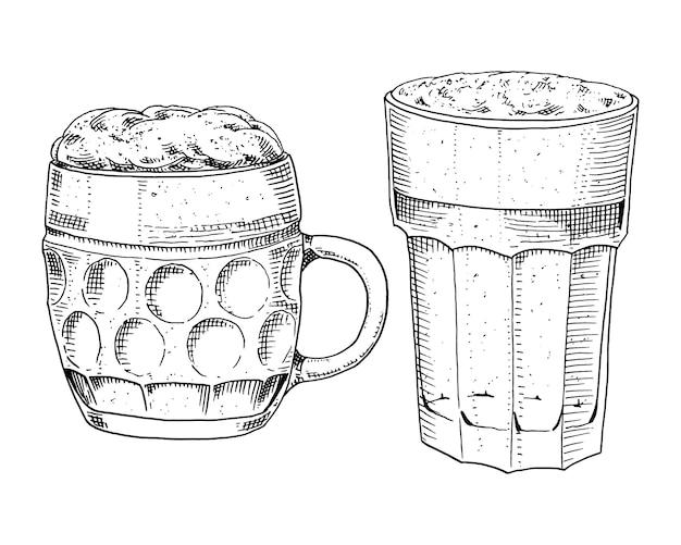 Verre à bière, chope ou bouteille d'oktoberfest. gravé à l'encre dessiné à la main dans un ancien croquis et un style vintage pour le web, invitation à la fête ou au menu du pub.