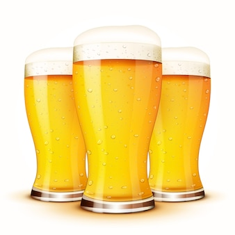 Verre de bière isolé isolé sur blanc.