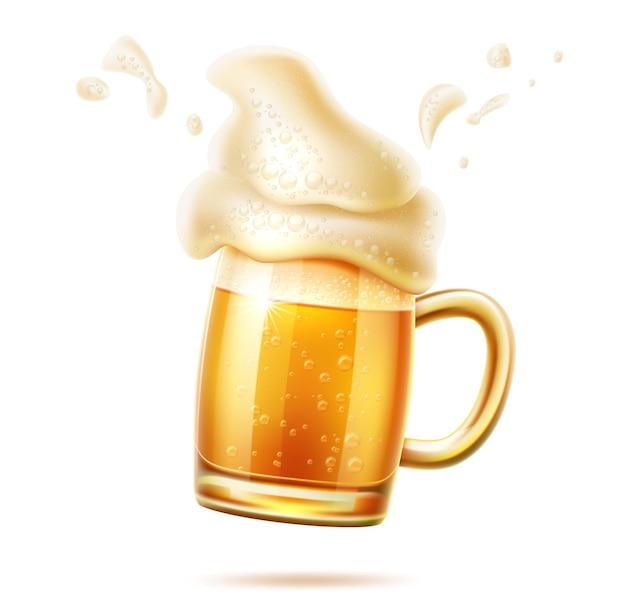 Verre à bière réaliste avec mousse éclaboussante