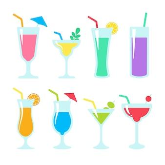 Verre à cocktail. jus alcoolisés colorés.
