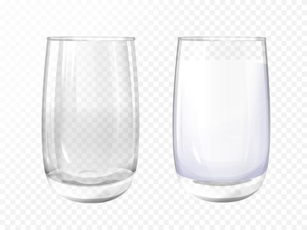 Verre réaliste vide et tasse de lait sur fond transparent.
