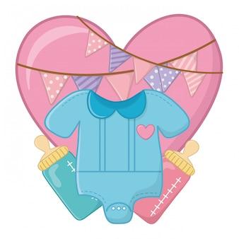 Vêtements pour bébé et biberon