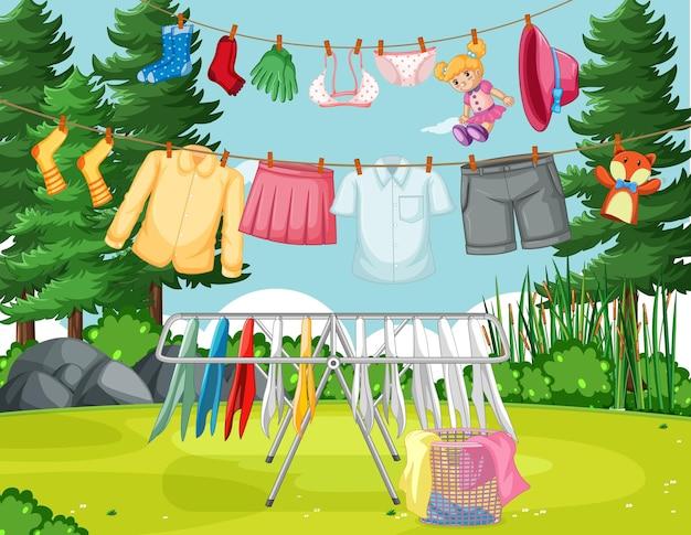 Vêtements suspendus en ligne dans la cour