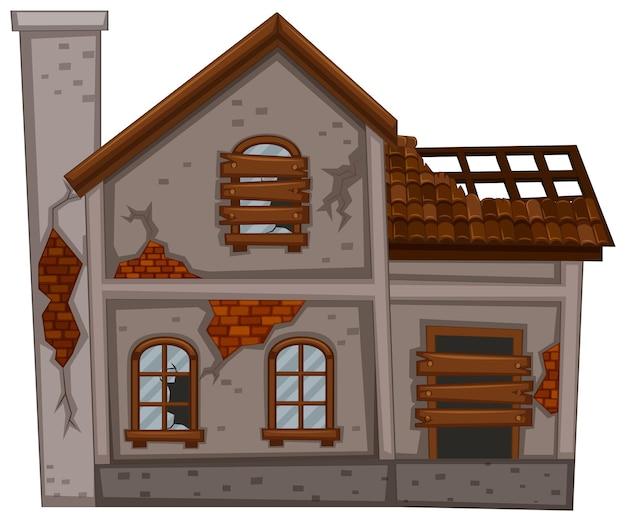 Vieille maison avec toit cassé