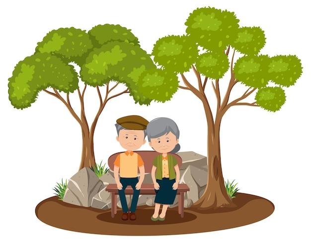 Vieux couple amoureux assis dans le parc isolé
