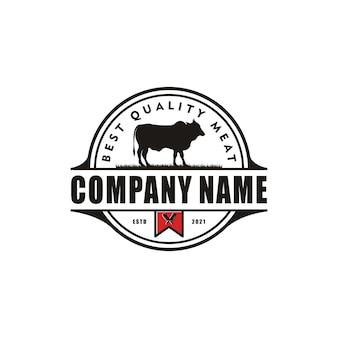 Vintage farm bovins angus bétail boeuf emblème label vecteur de conception de logo