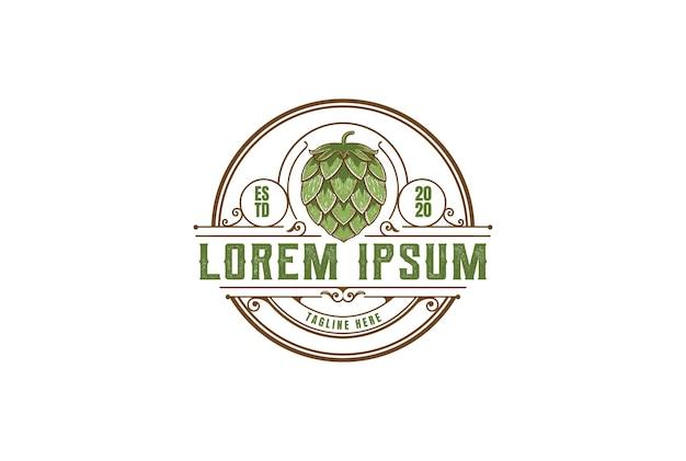 Vintage rustique antique old hipster hop pour craft beer brewery badge emblem label logo design vector