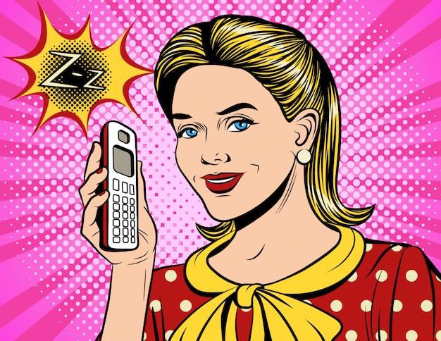 Visage de fille heureuse avec un téléphone qui sonne
