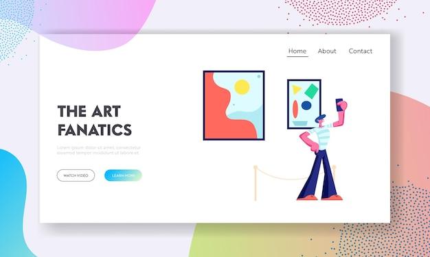 Un visiteur du musée fait un selfie sur fond d'exposition avec des peintures abstraites modernes accrochées au mur à la galerie d'art contemporain. page de destination du site web, page web. illustration vectorielle plane de dessin animé