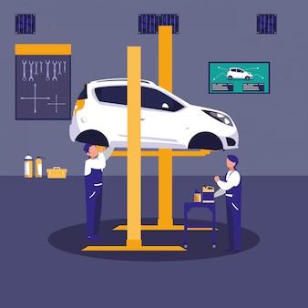 Voiture en atelier de maintenance avec l'équipe de mécaniciens