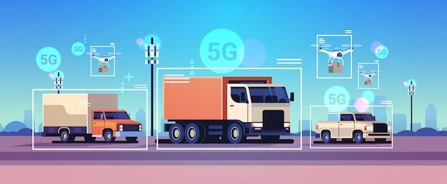 Voitures, conduite, route, sans fil, communication, réseau, de, véhicules, 5g, station de base, récepteur, information, émetteur, information, trafic, surveillance, système, concept