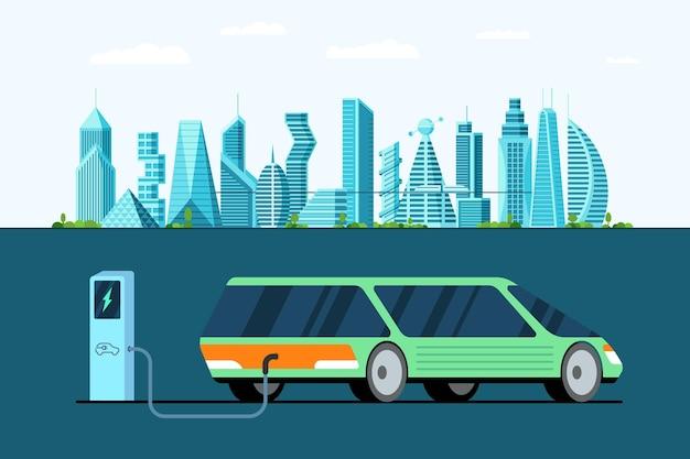 Vue arrière de la voiture électrique verte à la station de charge de ravitaillement en carburant sur la future ville moderne
