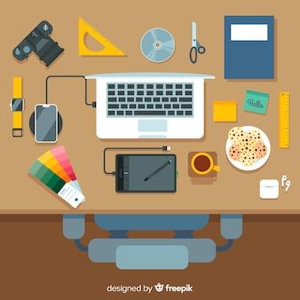 Vue de dessus de bureau moderne avec un design plat