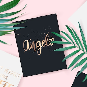 Vue de dessus avec la carte. angel phrase dessinée à la main.