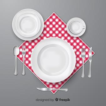 Vue de dessus des couverts de restaurant avec un design réaliste
