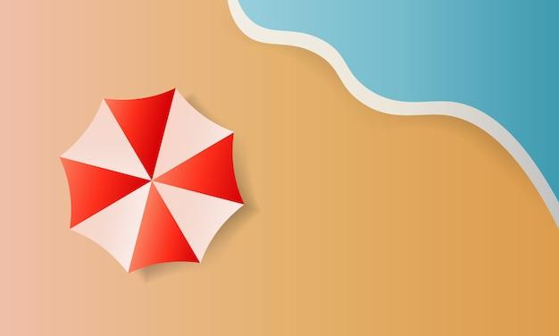 Vue de dessus fond de plage avec parasols, balles, anneau de bain, lunettes de soleil, planche de surf, chapeau, sandales, jus de fruits, étoile de mer et mer.