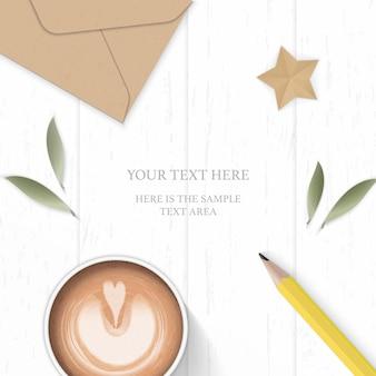 Vue de dessus plat poser élégante feuille de papier de composition blanche enveloppe kraft crayon jaune et artisanat étoile sur fond de bois.