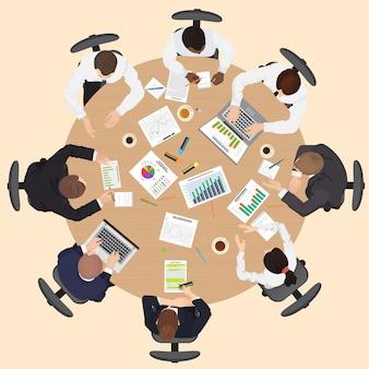 Vue de dessus de réunion d'équipe