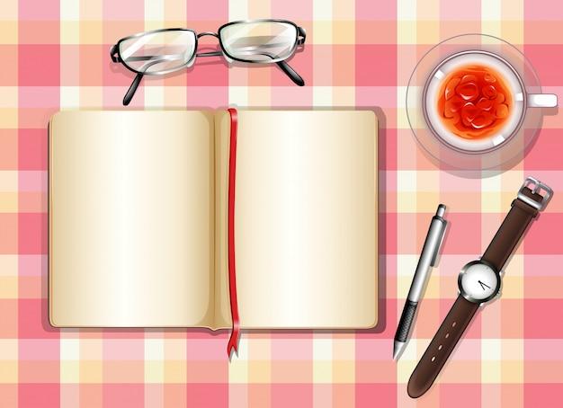 Une vue de dessus d'une table avec des objets différents