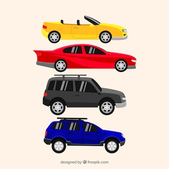 Vue latérale des voitures plates en différentes couleurs