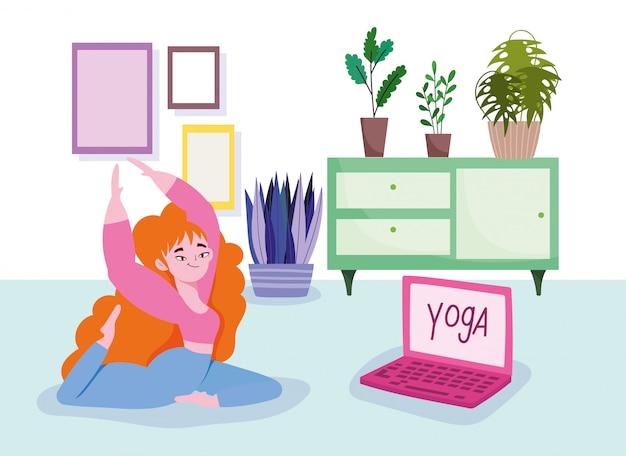Yoga en ligne, femme au sol avec ordinateur portable pratiquant le yoga dans la chambre