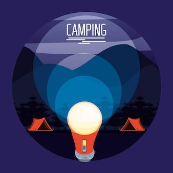 Zone de camping avec tentes et lanterne