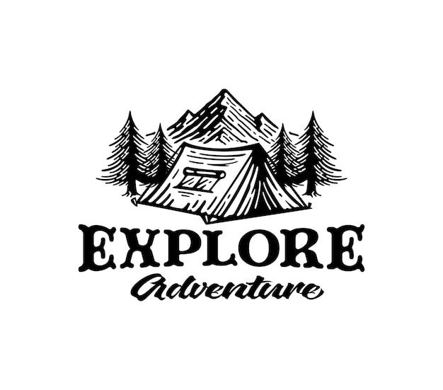 Acampar y explorar el logotipo de la montaña en vintage