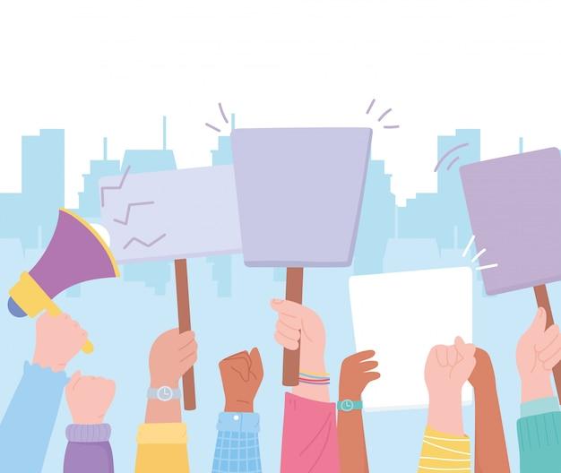 Activistas de manifestación, manos levantadas en protesta con orador y vallas publicitarias